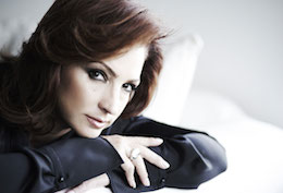 Gloria_Estefan-wallpaper
